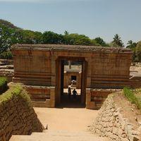 Badavalinga temple 4/11 by Tripoto