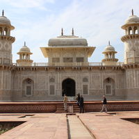 Tomb of Itimad-ud-Daulah 4/4 by Tripoto