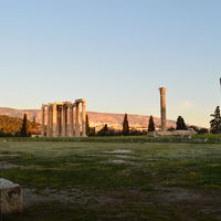 Temple of Olympian Zeus 2/2 by Tripoto