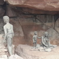 Rock Shelters of Bhimbetka 4/22 by Tripoto