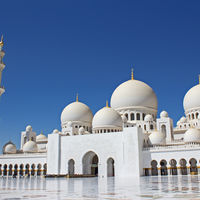 Grand Mosque - Abu Dhabi - United Arab Emirates 2/2 by Tripoto