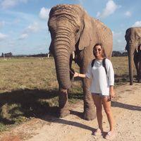 Mia Haughton Travel Blogger