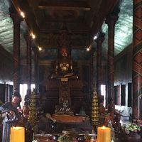 Wat Phnom 2/3 by Tripoto