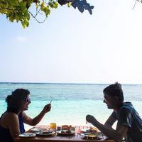 Divya & Vikas; Travel Writers Travel Blogger