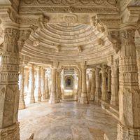 Ranakpur Jain Temple 2/28 by Tripoto