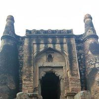 Khirki Masjid 2/2 by Tripoto