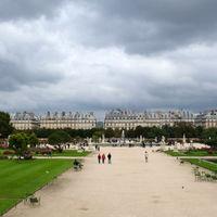 Tuileries Garden 2/2 by Tripoto