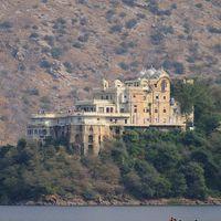 Siliserh Lake Palace 2/2 by Tripoto