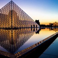 Musee du Louvre 3/76 by Tripoto