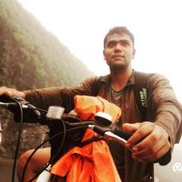 Munavver Malik Travel Blogger