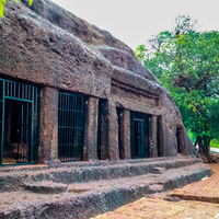 Arvalem Caves 2/3 by Tripoto