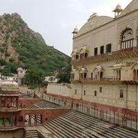 Moosi Maharani ki Chhatri 5/6 by Tripoto