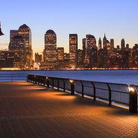 Manhattan Skyline 2/2 by Tripoto