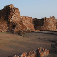 Tughluqabad Fort 4/5 by Tripoto