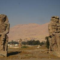 Colossi of Memnon 4/6 by Tripoto