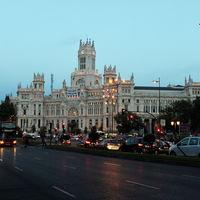 Plaza de Cibeles 3/4 by Tripoto