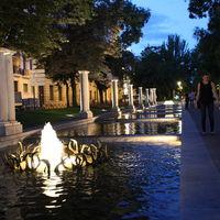 Plaza de Cibeles 2/3 by Tripoto