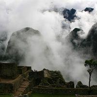 Machu Picchu Pueblo 4/11 by Tripoto
