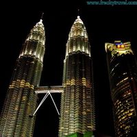 Petronas Twin Towers 3/18 by Tripoto