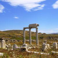 Delos Island Ruins 4/4 by Tripoto