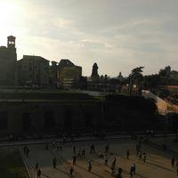 Piazza del Colosseo 5/17 by Tripoto