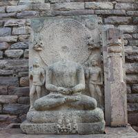 Sanchi Stupas 5/16 by Tripoto