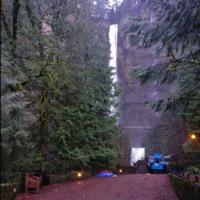 Multnomah Falls 4/4 by Tripoto