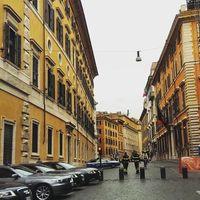 Piazza del Popolo 3/9 by Tripoto