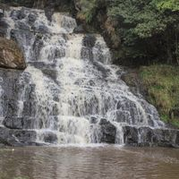 Elephant Falls 2/22 by Tripoto