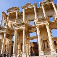Ephesus Museum 2/4 by Tripoto