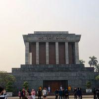 Ho Chi Minh Mausoleum 3/7 by Tripoto