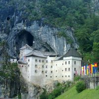 Predjama Castle 3/3 by Tripoto
