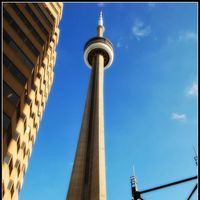 CN Tower 2/2 by Tripoto