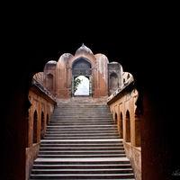 Shahi baoli 2/2 by Tripoto
