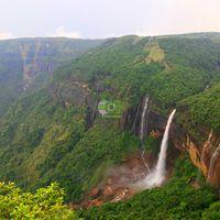 Nohkalikai Falls 5/36 by Tripoto