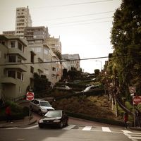 Lombard Street 2/2 by Tripoto