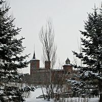 Volga Manor 2/4 by Tripoto