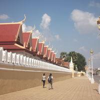 Royal Palace and Silver Pagoda 3/5 by Tripoto