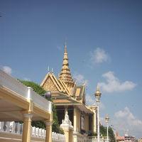 Royal Palace and Silver Pagoda 4/5 by Tripoto
