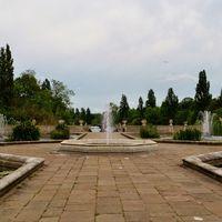 Kensington Palace Gardens 2/2 by Tripoto
