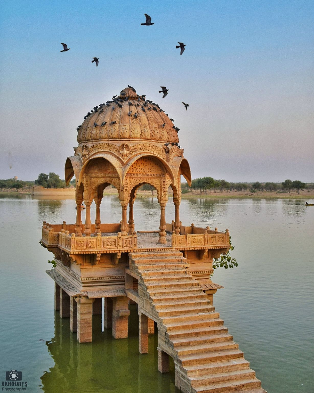 Photo of Gadisar Lake By Saurav Akhouri