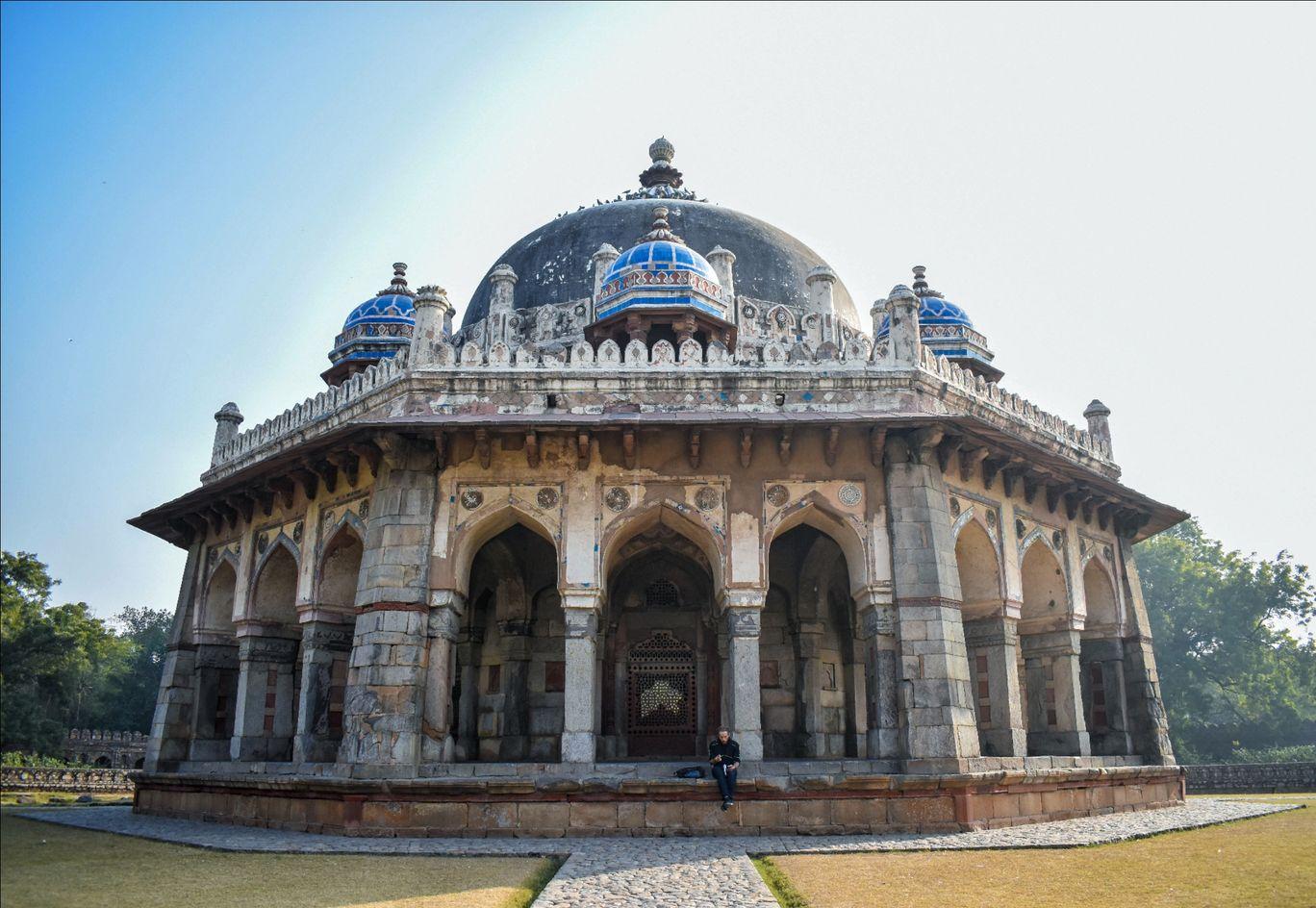 Photo of Isa Khan's Tomb By Saurav Akhouri