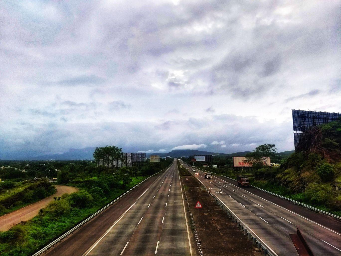 Photo of Mumbai - Pune Expressway By Vaibhav Jagtap
