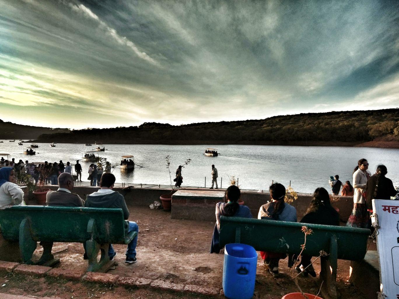 Photo of Venna Lake By tanya