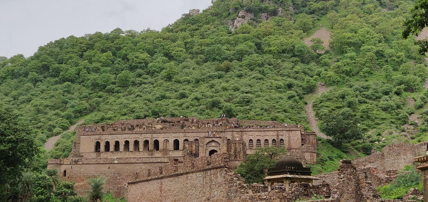 Photo of Bhangarh Fort By vivek bhardwaj