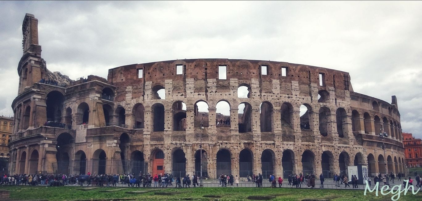 Photo of Colosseo By Meghali Ghosh