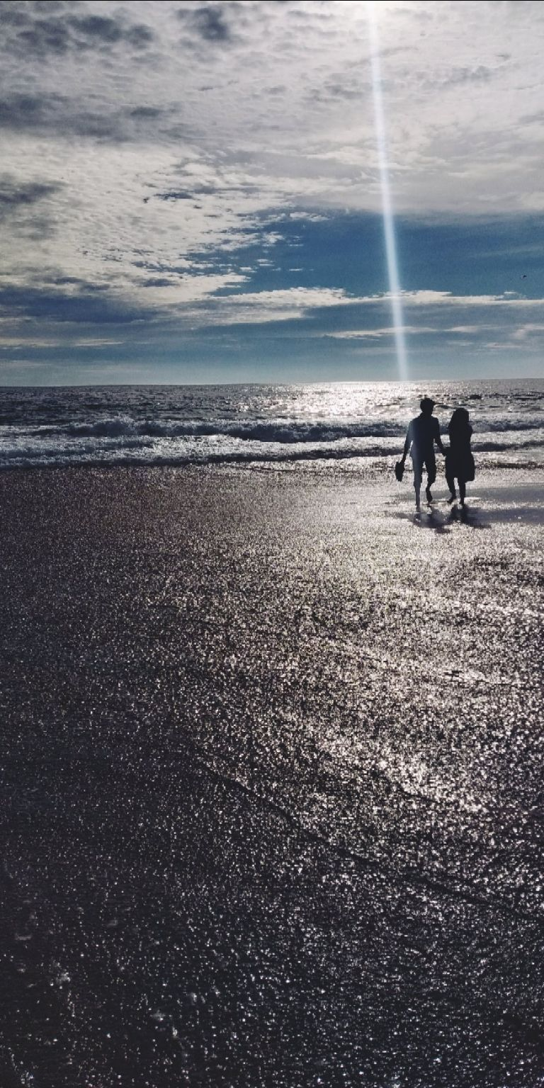 Photo of Shangumugham Beach By Aniketh Tanam