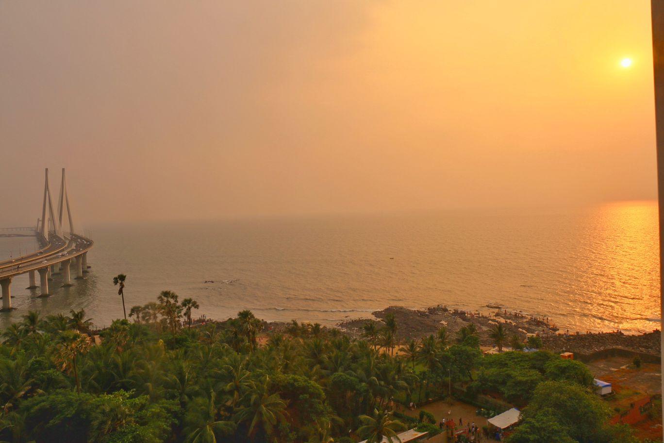 Photo of Mumbai By TheCrazyIndianNomad
