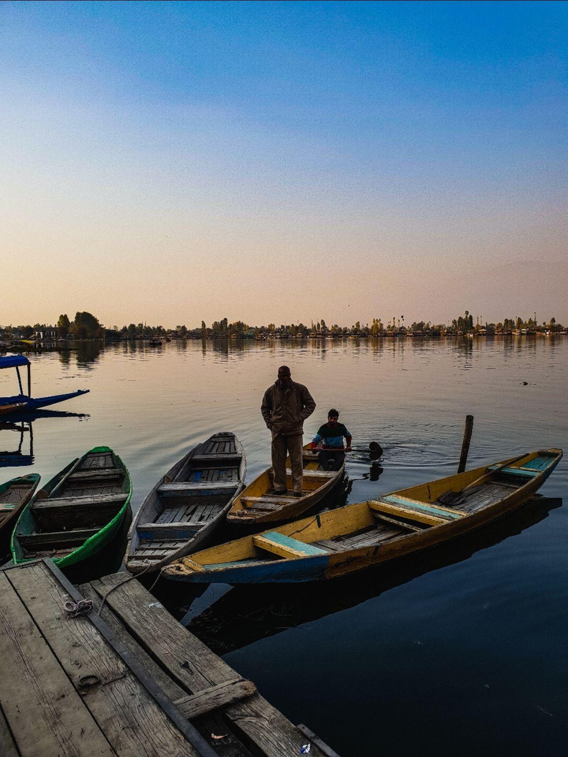 Photo of Dal Lake By Waleed tak