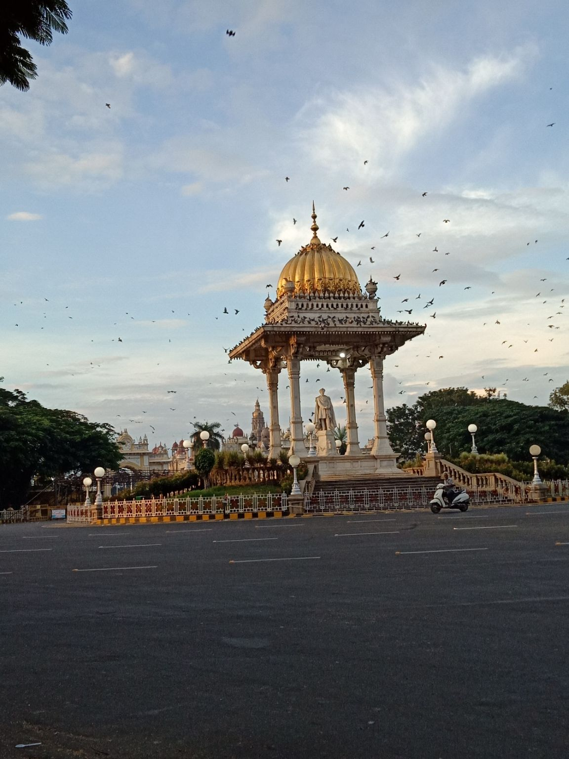 Photo of Mysore Palace By manojkumar kanchgar